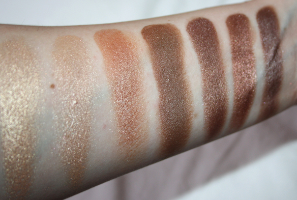Swatches Zoeva Nude Shimmer Palette rij 3