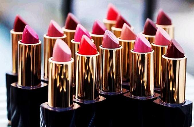 Estee-Lauder-lipsticlk