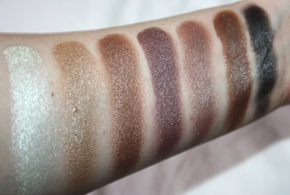 Swatches Zoeva Nude Shimmer Palette rij 4
