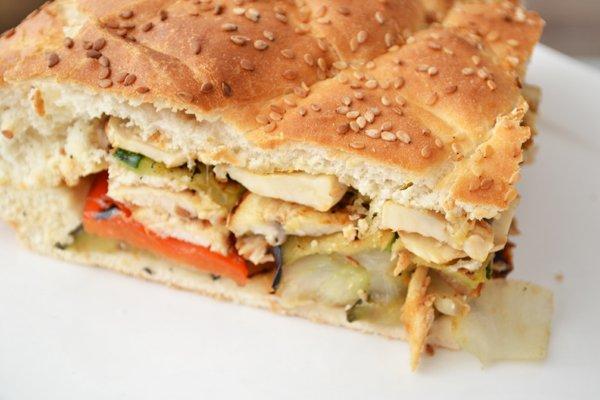 Turks brood gevuld met groenten